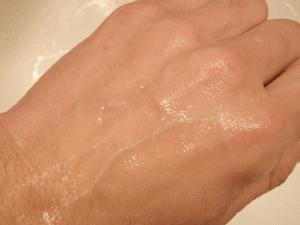 洗浄後の肌観察
